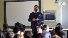 Scuola: la lirica per imparare la storia