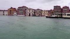 Venezia, con lo scirocco nuovo picco di acqua alta