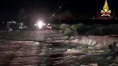 Maltempo in Sicilia, auto travolte dal fango a Scordia: si cercano dispersi